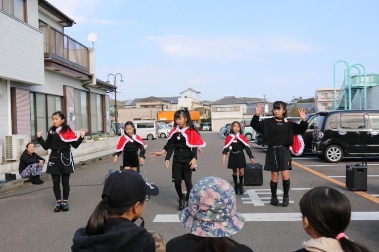 ::Desktop:12_15こゆ朝市:ダンス:ピュアーズ.JPG