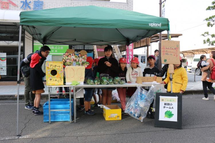 ::Desktop:12_15こゆ朝市:新田学園小_野菜販売:Aチーム店頭.JPG